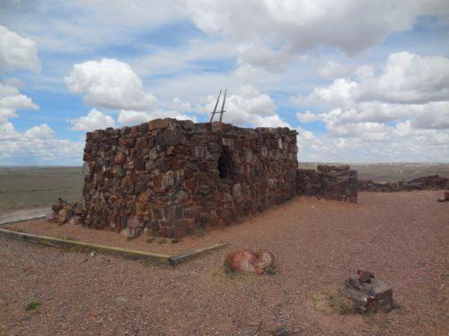 Pueblo ze zkamenělého dřeva